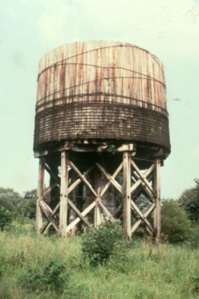 Landmarkhunter Com Illinois Central Railroad Water Tower