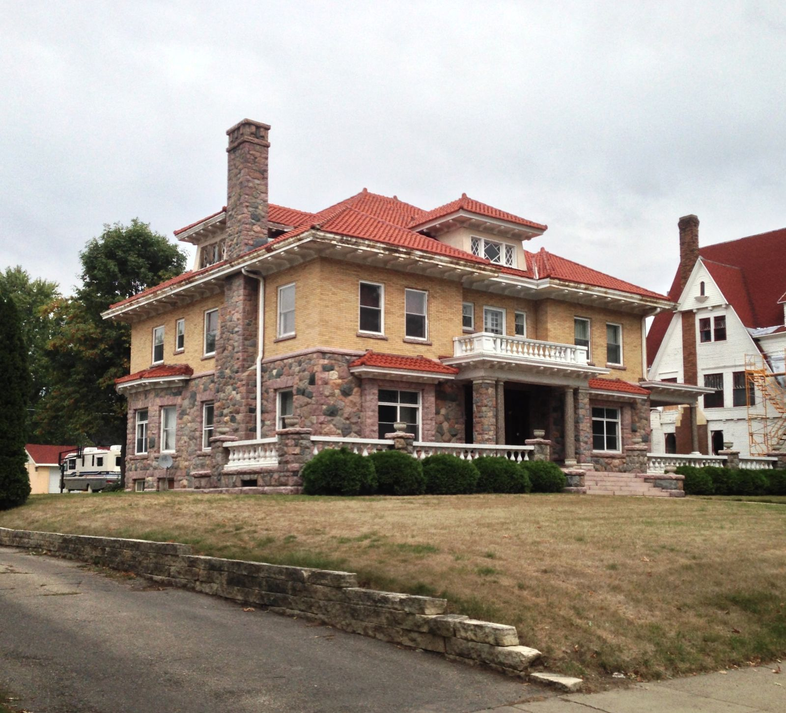 Apartments In Delaware Ohio: Leroy R. Willard House